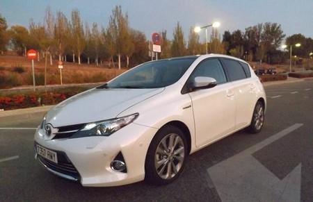 Toyota Auris Hybrid Frontal