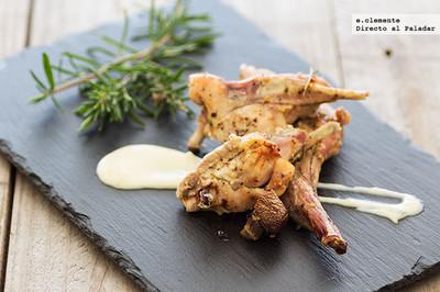 Conejo asado con salsa gorgonzola. Receta