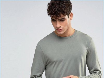 ¿Damos el visto bueno a las camisetas estrechas pero largas?