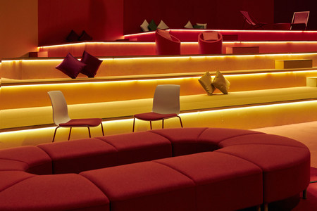 """La sala VIP de ARCO 2020 diseñada por Teresa Sapey y Rafael Robledo es una explosión de color y está concebida """"como una obra de arte más"""""""