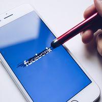 Desinstalar Facebook nos hace más felices: los beneficios emocionales equivalen al 25% de acudir a terapia