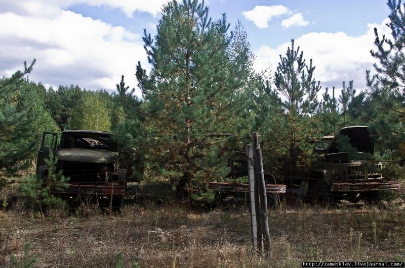 Foto de Rassokha, vehículos radiactivos de Chernobyl (12/21)