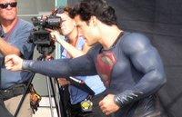 'Man of Steel', nuevas fotos de Henry Cavill como Superman, que ya no lleva sus clásicos calzoncillos