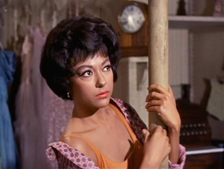 """Steven Spielberg prepara un remake de """"West Side Story"""" en el que volverá a actuar Rita Moreno"""
