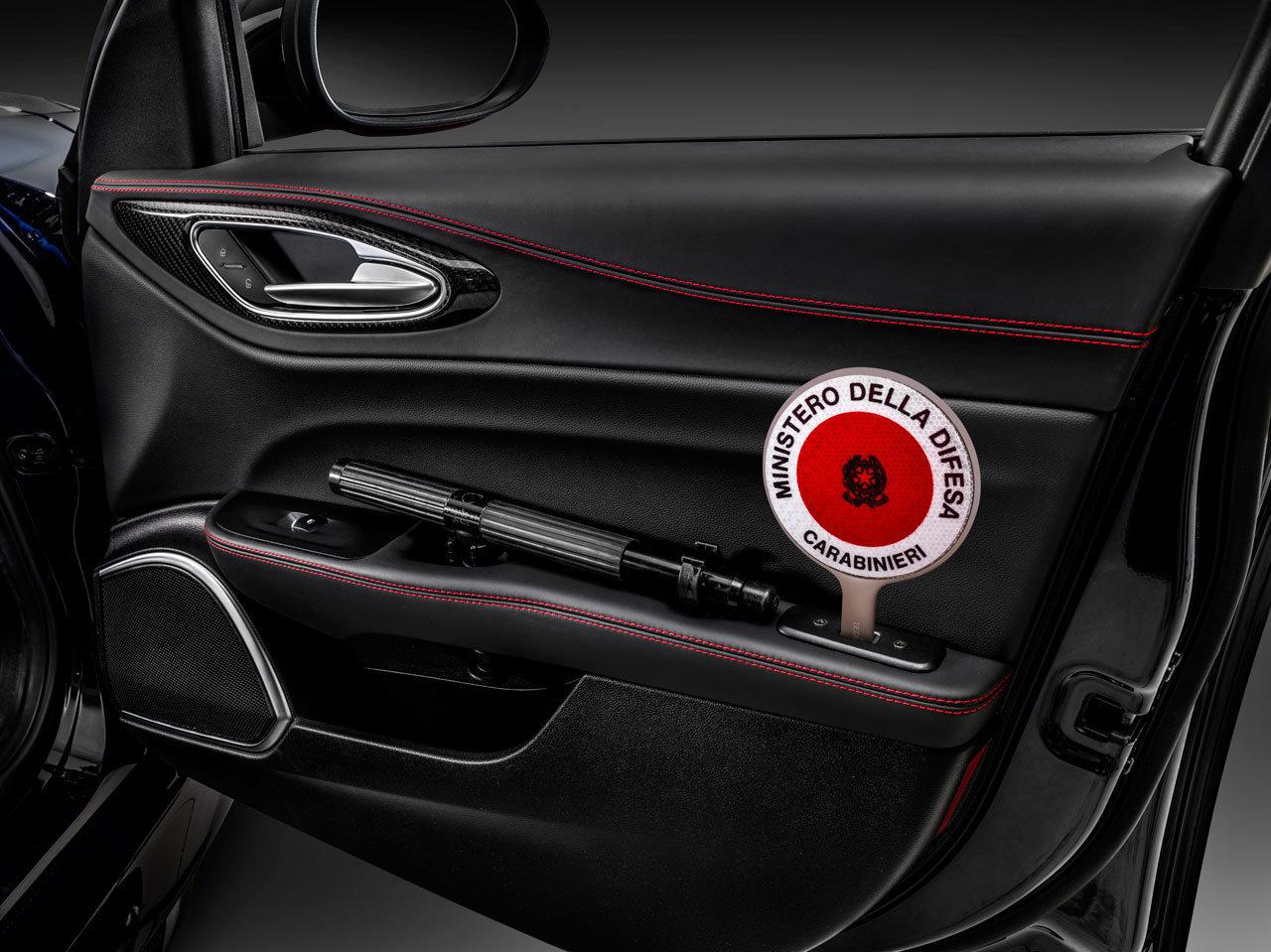 Foto de Alfa Romeo Giulia QV Carabinieri (29/32)