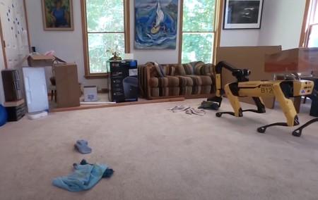 Spot pronto se venderá con un brazo robótico y Boston Dynamics hasta lo ve como perfecto ayudante en el hogar