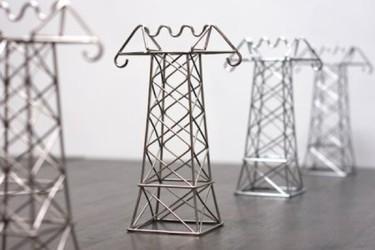 Torres de alta tensión para sostener tus cables