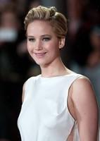 Jennifer Lawrence y Elisabeth Banks protagonistas de la alfombra roja londinense