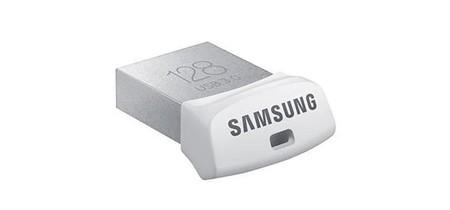 Por poco más de 35 euros, te llevas los 128 Gb del Samsung Fit en Amazon