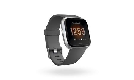 Hoy Amazon tiene 5 de los colores de Versa Lite de Fitbit en oferta, a sólo 109,95 euros