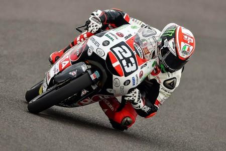 Niccolò Antonelli domina los primeros entrenamientos libres de Moto3 en Jerez