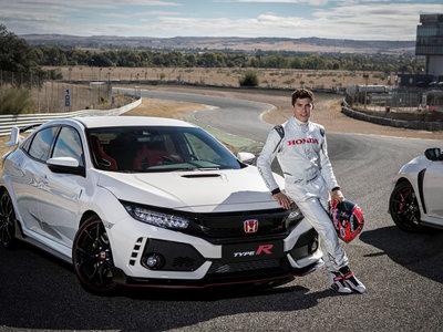 Lo que más gusta a Marc Márquez del nuevo Honda Civic Type R es el modo comfort