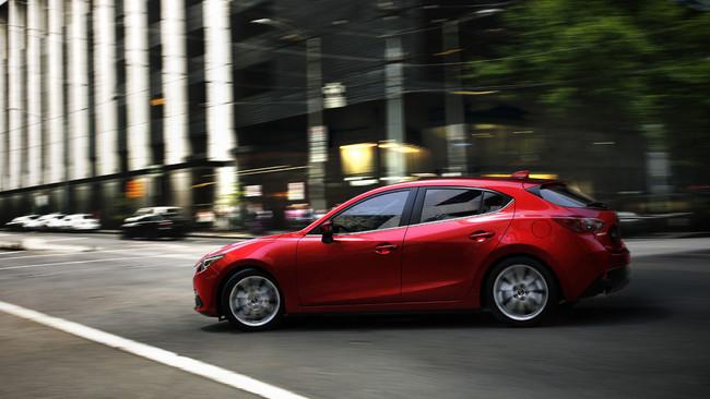 Mazda3 2013 en movimiento