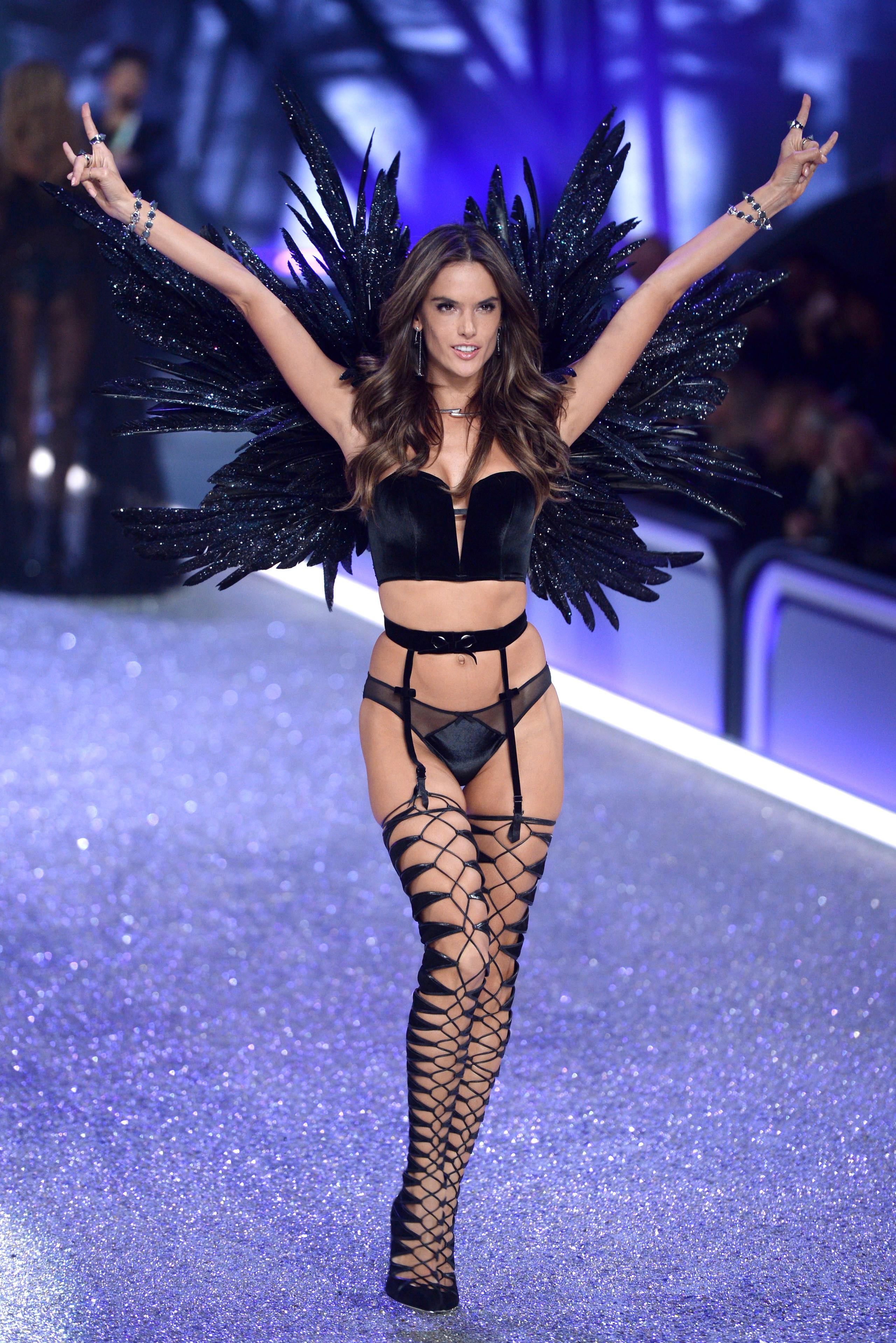 Foto de los ángeles de Victoria's Secret en Paris (24/24)