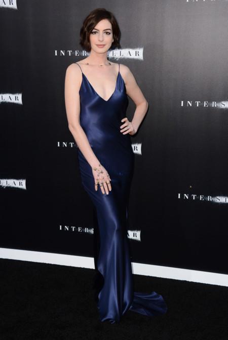 Anne Hathaway Richard Nicoll Interstellar