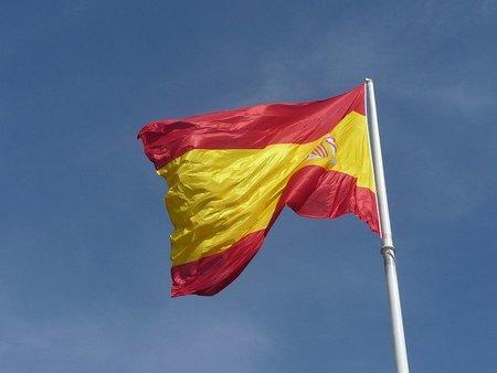 Tres personas que confían en la economía española
