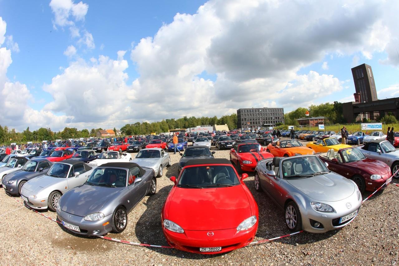 Foto de Concentración Mazda-MX5 2010 en Essen  (3/11)
