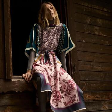 Zara aprovecha las vacaciones de verano para introducir su colección Studio Otoño 2021: el estampado de pañuelo vuelve al armario