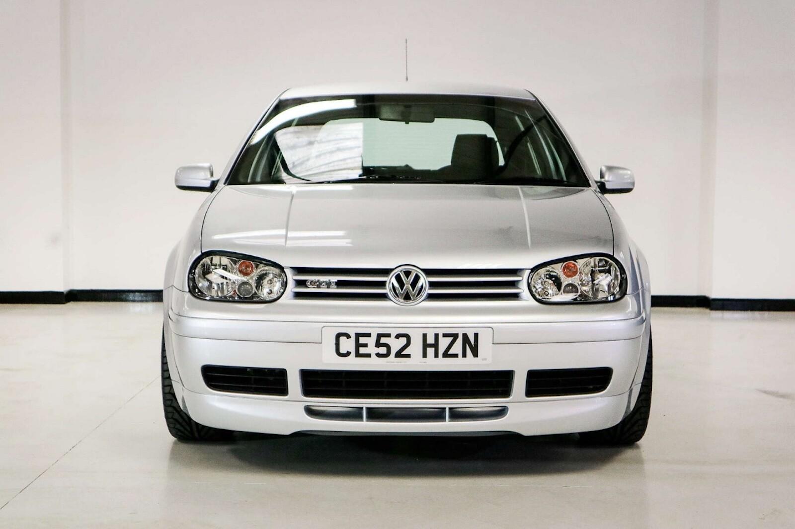 Foto de Volkswagen GTI MK4 25 aniversario a subasta (1/20)