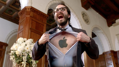 El nuevo anuncio de Nokia enfrenta en una (divertida) batalla campal a los usuarios de Apple y Samsung