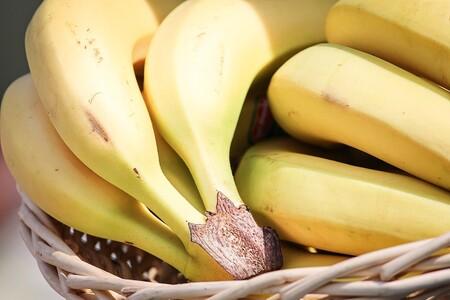 Bananas 3471064 1280