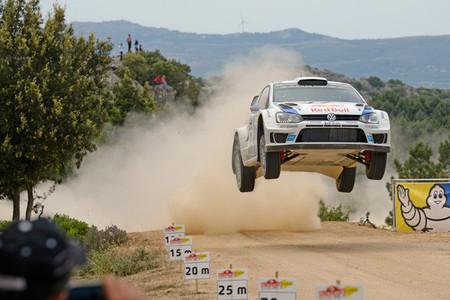 Rally de Cerdeña 2014: Sébastien Ogier recorta gracias a un calentón