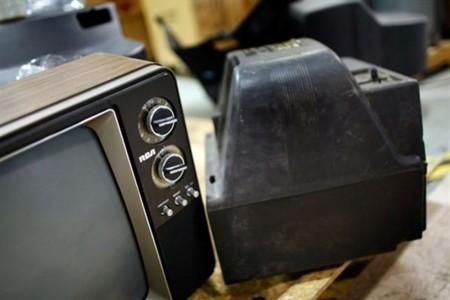 Semarnat y SCT firman acuerdo para reciclar televisores analógicos