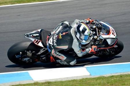 Superbikes Australia 2015: Leon Haslam se lleva la segunda carrera in extremis