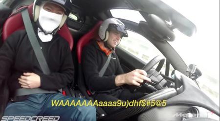 Pasajeros reaccionan a un McLaren P1