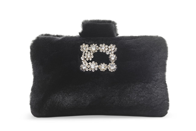 Roger Vivier Fall Winter 17 18 Collection Soft Clutch Flower Strass