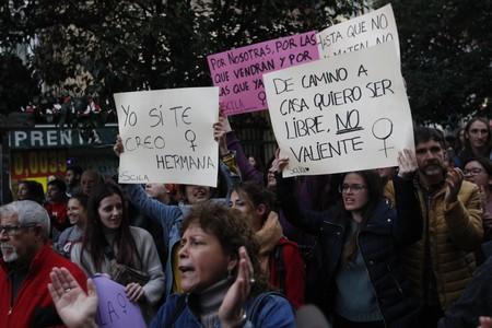 Huelga Mujeres2