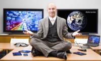'Lo único que cambia la subvención es la forma en la que pagamos el móvil' Entrevista a Eduardo Fernández, de RIM España