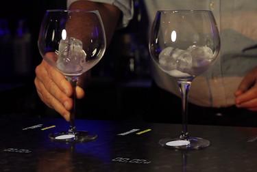 Así es el dispositivo que evitará que te echen menos alcohol en la copa