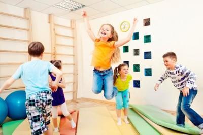 La actividad física mejora el rendimiento académico en niños (estudio)