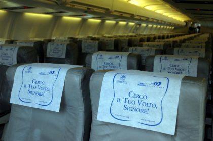 Air Vaticano, tocando el Cielo.