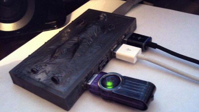 Han Solo congelado en Carbonita hub USB