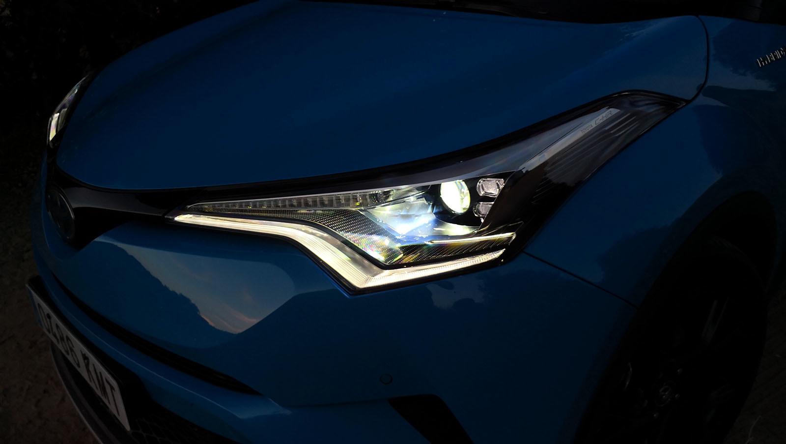 Foto de Toyota C-HR Dynamic Plus - Fotos interiores y detalles (12/15)