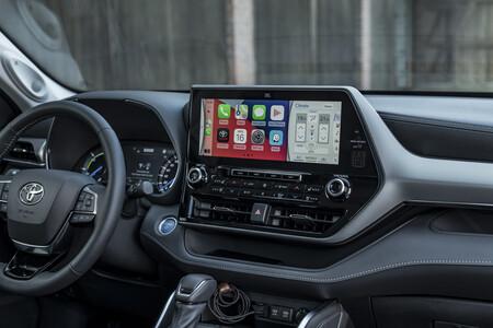 Toyota Highlander Electric Hybrid 2021 Interior 2