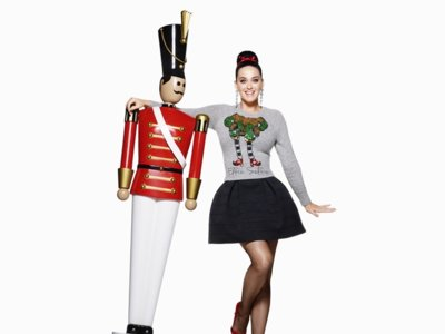 Santa Claus tienen un nuevo elfo para ayudarle: Katy Perry en la campaña de Navidad de H&M