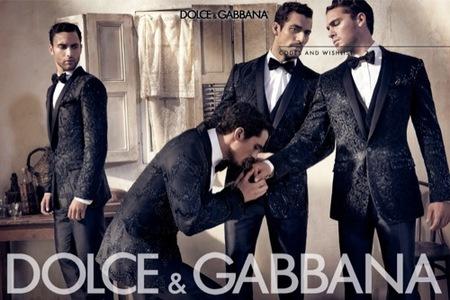 La campaña de Dolce & Gabbana, Primavera-Verano 2010: músculos y hombres perfectos. Trajes
