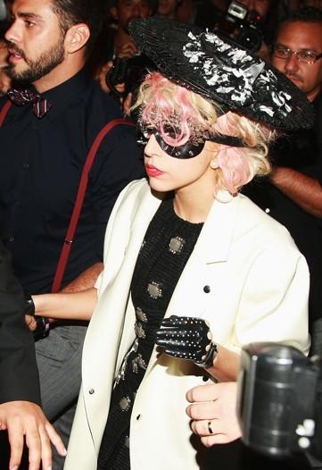 Foto de Blake Lively, Madonna y otras famosas en los distintos front row de la Semana de la Moda de Nueva York (16/17)