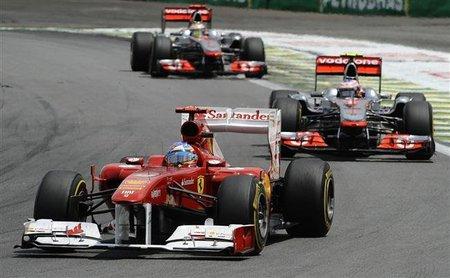 El bonito adelantamiento de Fernando Alonso a Jenson Button en Interlagos