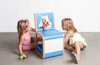 Thea, una silla para jugar a los títeres