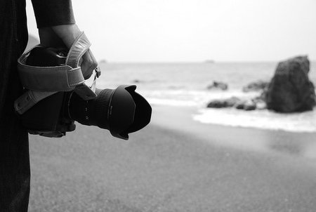 Consejos para cuidar tu cámara de fotos en la playa