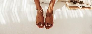 Estas son las tendencias de calzado para ir a la playa este verano (y nuestros modelos favoritos)