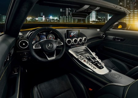 Mercedes Benz Amg Gt S Roadster 2019 1280 0b