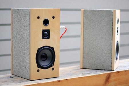 Los bloques de cemento pueden servir para fabricar altavoces, y esta es la prueba