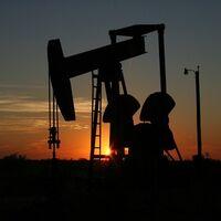 La OPEP y sus aliados acuerdan aumentar la producción de petróleo y comienzan a bajar los precios