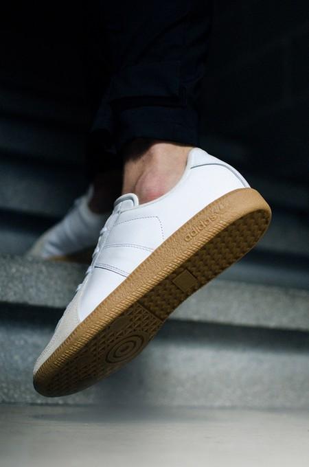 Gat Adidas 01
