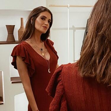 Sara Carbonero nos conquista con un vestido ideal para el verano y que podemos comprar en Cortefiel